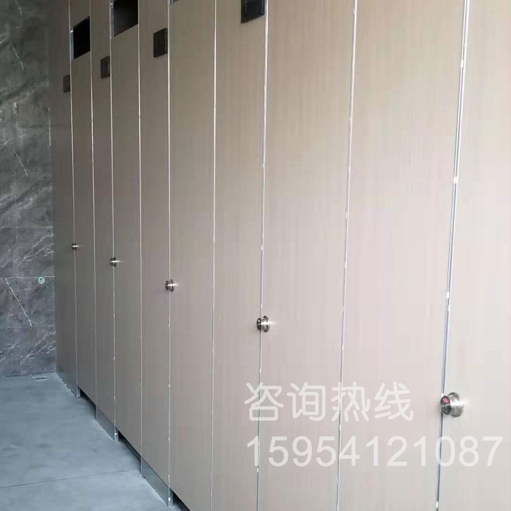 卫生间隔断-京台高速济南服务区