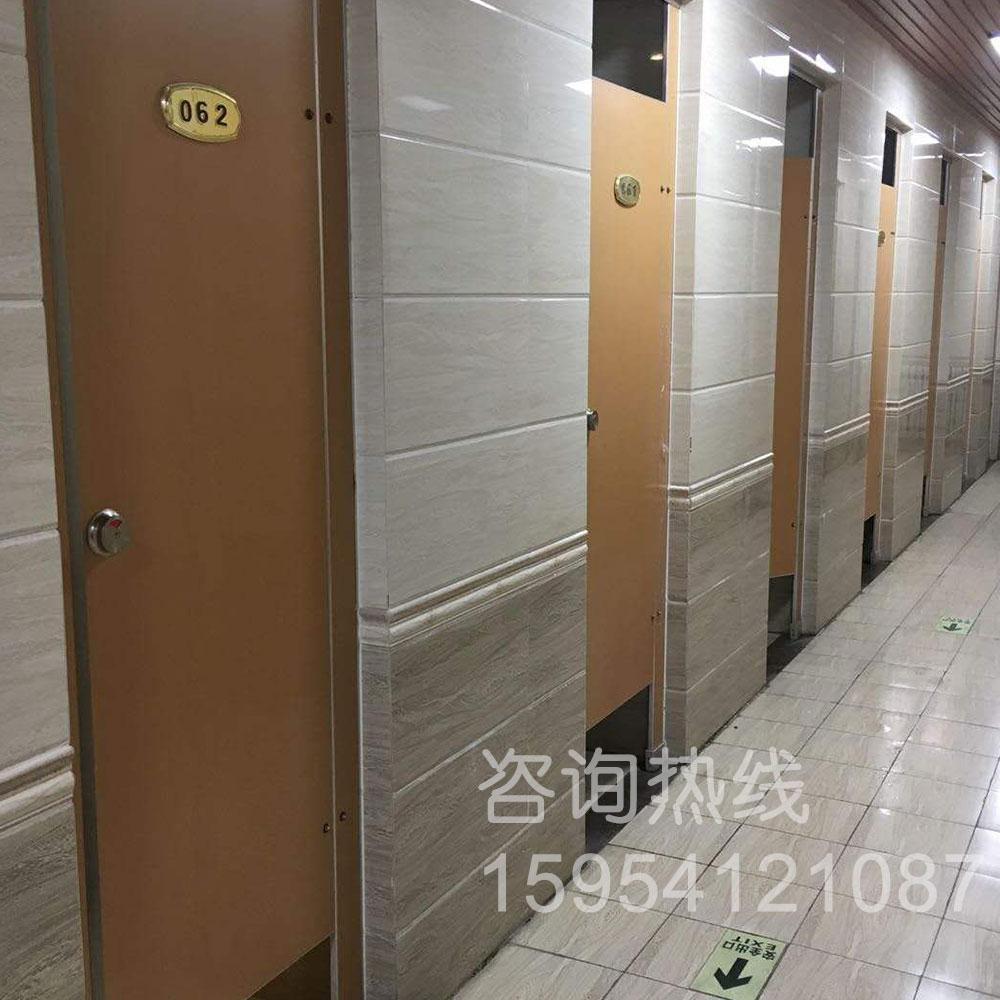 卫生间隔断-山东大学兴隆山校区浴室